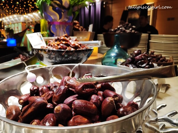 Assorted fine dates (Seedless, Wadi, Lulu, An-Nabi and more)