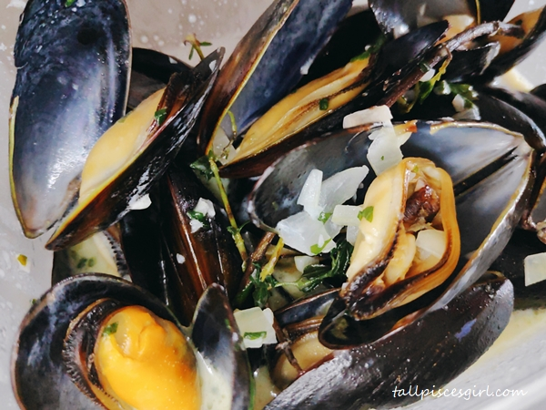 White Wine Black Mussels Mariniere