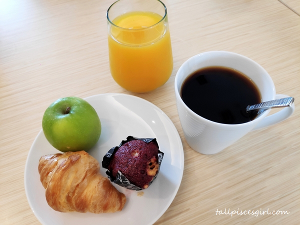 Before main breakfast is served...