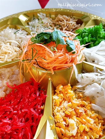 Yee Sang delivery from Zuan Yuan