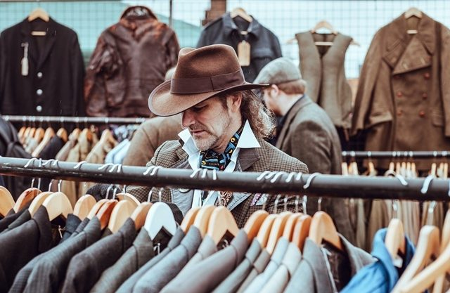 Advantages of Getting Custom Clothing and Suits