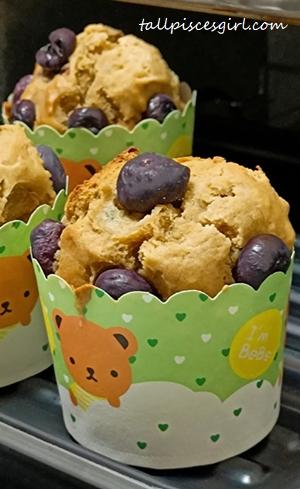 tallpiscesgirl's Version of Blueberry Muffin